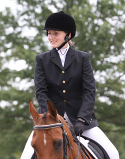 Photo of Angela Howard on her horse