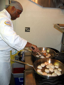 Photo of Erik cooking scallops