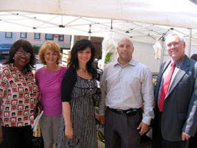 Photo of group at the Hoboken Farmers Market.