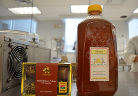 Photo of NJ honey with Made with JF chocolates - Click to enlarge