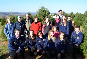 Photo of Wyckoff family and Belvidere and Phillipsburg FFA Members